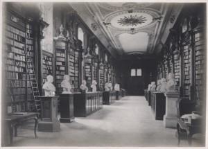 la-bibliothc3a8que-de-louvain-avant-lincendie1